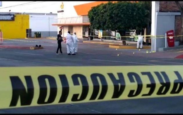 Los jóvenes intentaron escapar y guarecerse en la central pero los sicarios los persiguieron para asesinarlos. Foto: AFP.