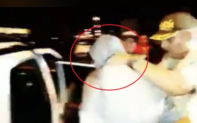 En un restaurante en Puyo, Aurelio Quito fue detenido con 40 mil dólares en efectivo y dos botellas de whisky.