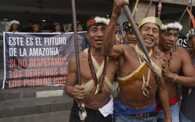 """""""La selva está deforestada, hay contaminación, la selva está muriendo, la cultura está muriendo"""", denunciaron los indígenas. Foto: AFP"""