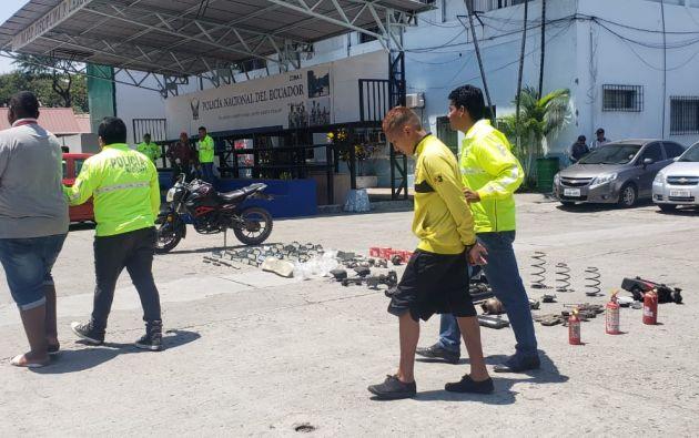 La Policía detuvo este 5 de septiembre a los miembros de una banda dedicada al robo de autos en Guayaquil. Foto: Policía Nacional.