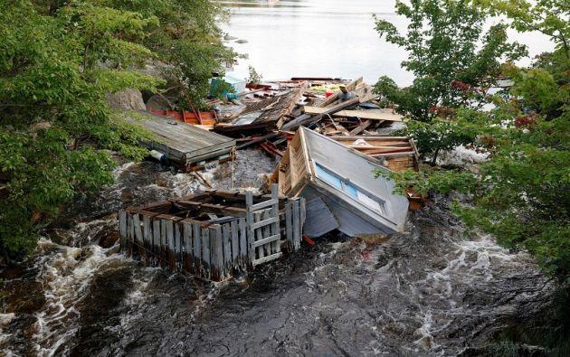 Un cobertizo de pesca queda atrapado en un río después de la salida del huracán Dorian en Halifax, Nueva Escocia, Canadá.  Foto: Reuters