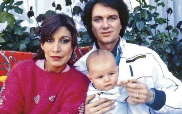 """Ornelas, quien era """"fan"""" del cantante español, mantuvo una relación con Camilo Sesto de la que Blanes Jr. nació en la Ciudad de México en 1983."""