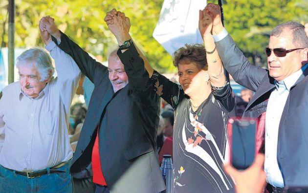 En la foto: José Mujica, Luiz Inácio Lula da Silva, Dilma Rousseff y Rafael Correa. Foto: AFP