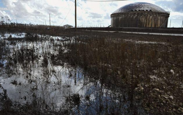 El huracán Dorian se fue dando un macabro golpe final: un derrame petrolero de la noruega Equinor. Foto: AFP.