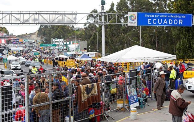 """El """"permiso de tránsito"""" al que podrán acogerse estos migrantes está ya disponible """"de forma gratuita"""" en los pasos fronterizos. Foto: Reuters"""