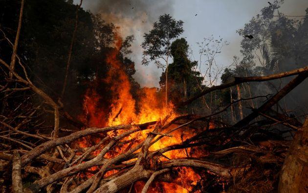 Incendio en un tramo de la selva amazónica en el Bosque Nacional Bom Futuro en Río Pardo, estado de Rondonia, Brasil. Foto: Reuters