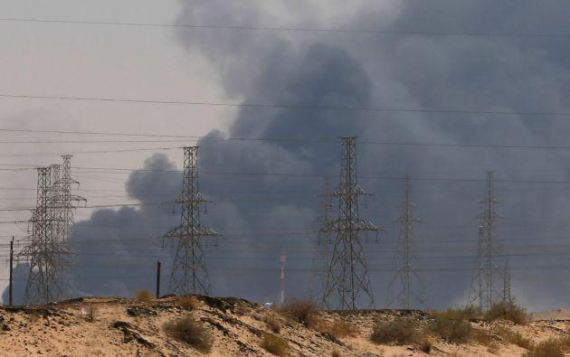 Los ataques contra las dos plantas petroleras sauditas hicieron caer la mitad de la producción de petróleo del país. Foto: Reuters.