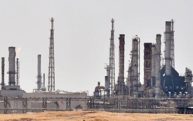 La idea de que Riad busca adquirir oro negro en el extranjero plantea dudas sobre su real capacidad de recuperación. Foto: AFP.