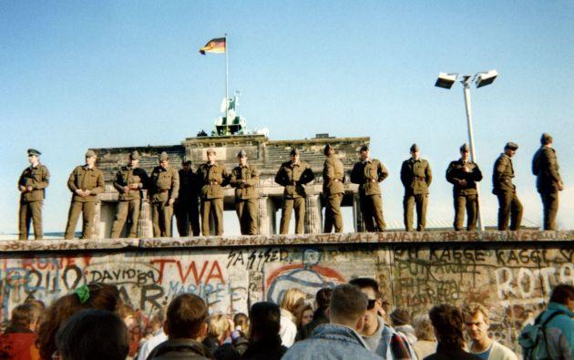 La cortina de hierro entre la Europa comunista y el Oeste se materializó de forma gradual para frenar la huida de ciudadanos hacia el Oeste. Foto: AFP.