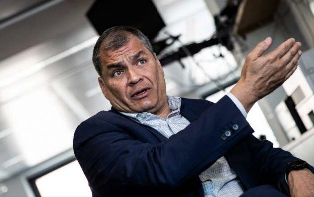 """""""Me dio seguridad los dos primeros años después de la Presidencia"""", dijo Correa sobre la empresa española. Foto: AFP"""