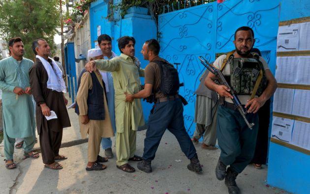Los talibanes multiplicaron las advertencias a los alrededor de 9,6 millones de electores, para disuadirlos de acudir a las urnas. Foto: AFP