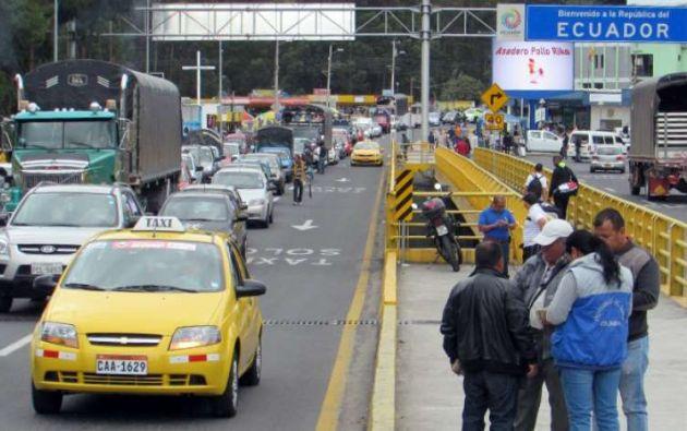 La constante devaluación del peso colombiano frente al dólar hace que los ecuatorianos prefieran realizar compras en el lado colombiano.