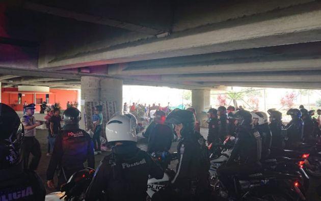 En el operativo intervinieron entre 150 y 200 efectivos de la Policía, personal de la intendencia y delegados municipales.
