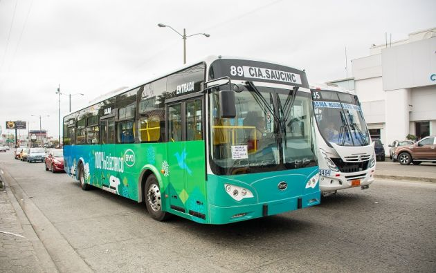 Los buses de Saucin no emiten ruido ni gases, tienen climatización interna y se programan para no exceder de 60 kilómetros por hora.