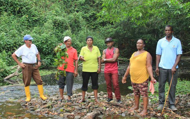 El acceso al agua limpia se ha convertido en un gran problema para los pobladores de La Chiquita. Foto: David Silva.