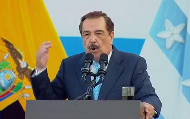 """""""Más allá de nuestras diferencias, defendamos unidos la democracia, nuestras ciudades, nuestras familias, y nuestros bienes"""", dijo Nebot."""