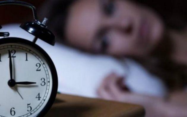 Expertos recomiendan un sueño de 7 a 8 horas continuas con poco sonido y en temperatura relativamente baja. Foto: Pixabay.