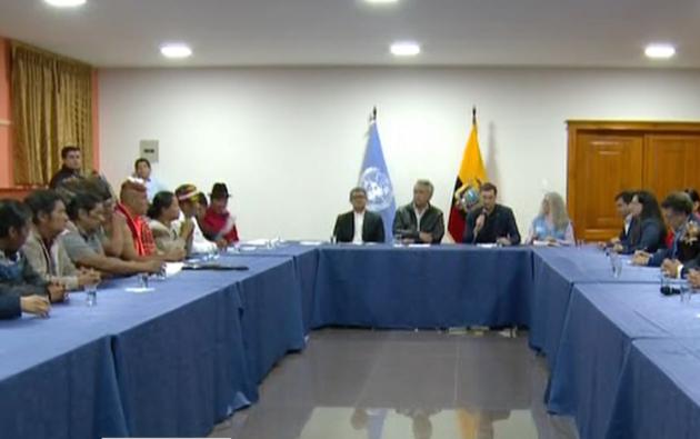 Gobierno Nacional y dirigentes indígenas se reunén en Quito.