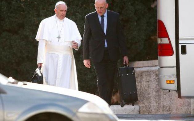 Domenico Giani ha estado durante dos décadas al servicio de tres pontífices. Foto: Reuters.