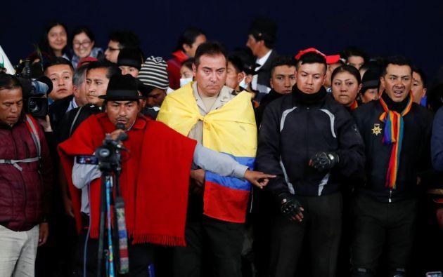 El pasado 10 de octubre, diez policías fueron retenidos por dirigentes indígenas en el Ágora de la Casa de la Cultura de Quito. Foto: Reuters.