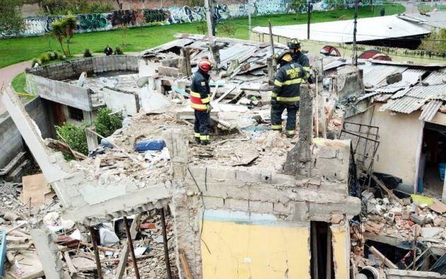 Una vivienda del sur de Quito quedó completamente destruida después de una explosión por fuga de gas. Foto: Bomberos de Quito.