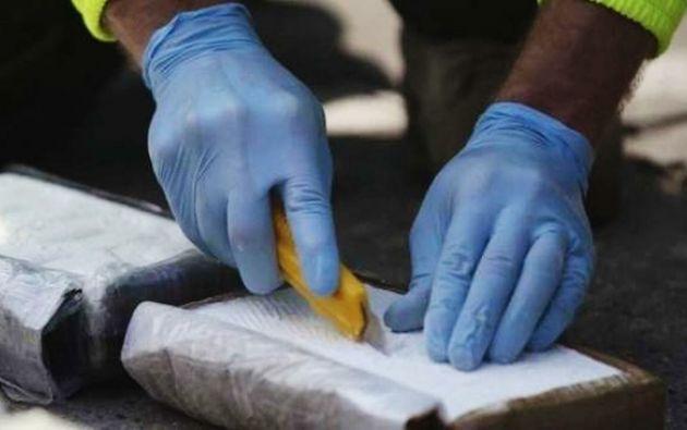 Los procesados transportaban 959 kilos de cocaína en paquetes ocultos en un doble fondo. Foto referencial