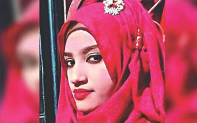 Nusrat Jahan Rafi denunció el acoso sexual de su director de escuela, y fue quemada viva por eso.