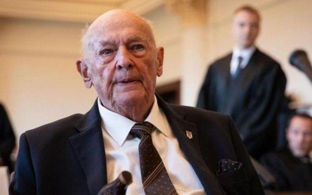 Marek Dunin-Wasowicz, ahora de 93 años, tenía 17 cuando llegó al campo en Stutthof, en mayo de 1944.