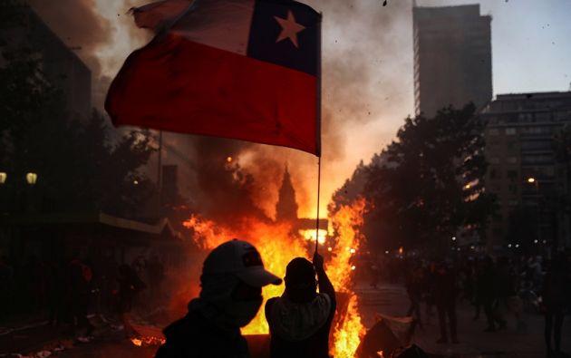 Ninguna medida del gobierno de Sebastián Piñera ha logrado bajar la tensión en las calles. Foto: Reuters