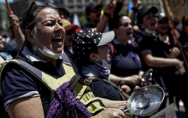 La reciente publicación del Barómetro de las Américas reveló que solo el 57,7 % de los ciudadanos de la región apoyan la democracia. Foto: AFP