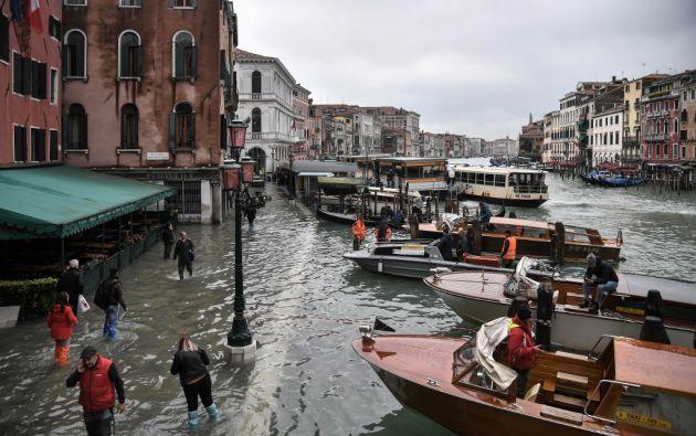 """Este fenómeno de """"acqua alta"""" suele inundar las zonas bajas de la ciudad, en particular la plaza de San Marcos. Foto: AFP"""