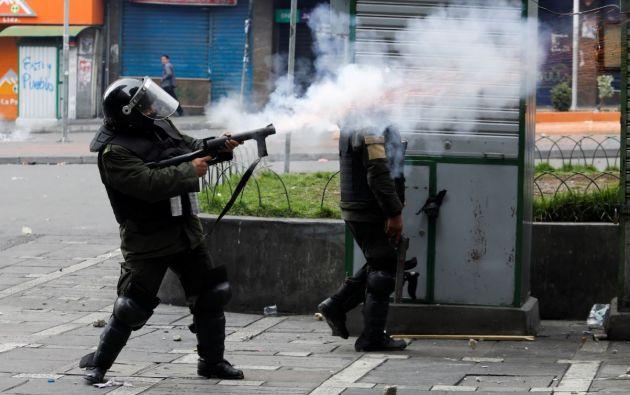 Un informe destaca que 13 policías, 11 niños y 8 periodistas fueron agredidos durante las protestas. Foto: Reuters.