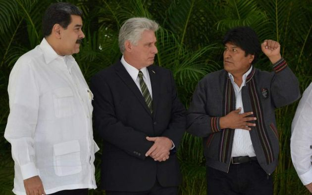 Cuba y Venezuela eran los principales socios regionales de Morales. Foto: AFP