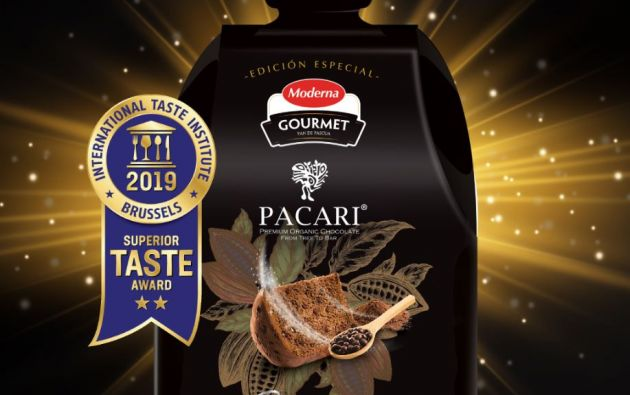 El Panettone Pacari de Moderna compagina al mejor chocolate oscuro del país y del mundo, con el pan artesanal de Moderna.