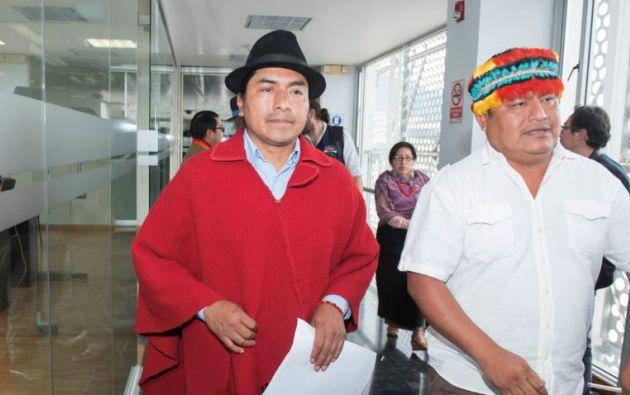 Leonidas Iza Salazar, del Movimiento Indígena de Cotopaxi y Jaime Vargas, presidente de la Conaie.