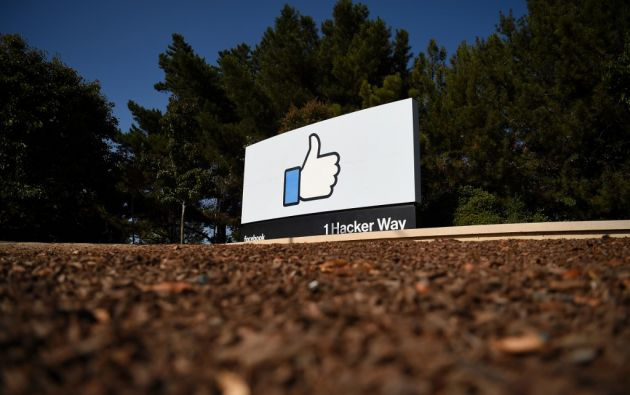 Los discos duros robados contenían nombres, cuentas bancarias y otros datos privados de 29.000 personas empleadas por Facebook en Estados Unidos. Foto: AFP.