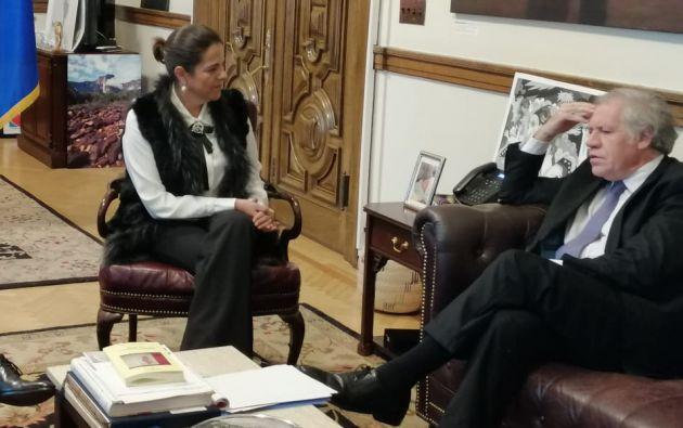 Romo y Almagro abordaron también la situación de la democracia en la región.