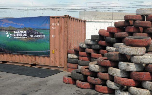 Más de 15.000 llantas recuperadas del archipiélago se procesarán y reciclarán para darle un nuevo uso.