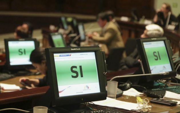 Los legisladores se allanaron a 11 de las 13 objeciones presidenciales.