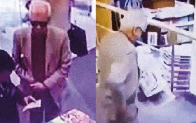Un video muestra el momento en el que embajador Valero roba un libro en una librería.