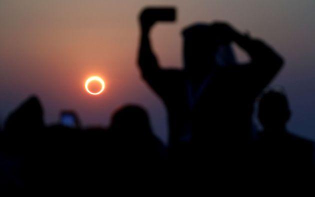 """Así se vio el """"anillo de fuego"""" en la zona de Hofuf en Arabia Saudita. Foto: Reuters."""