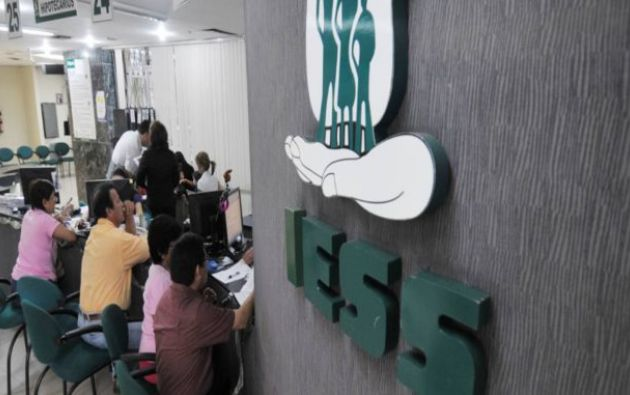 Informe revela supuesto mal uso de recursos de pensionistas del IESS.