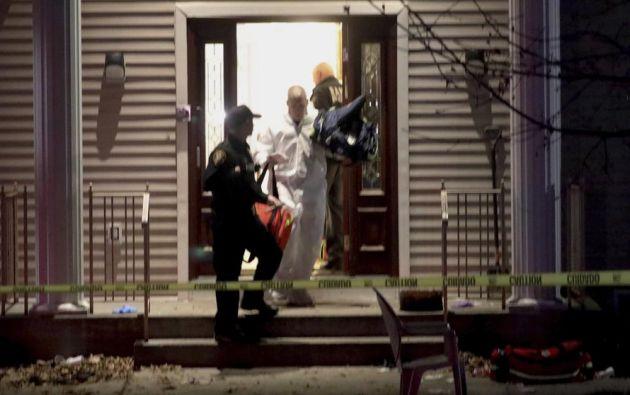 después de que cinco personas fueran apuñaladas en la casa de un rabino durante una celebración de Hanukkah.