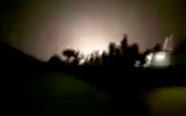 Un video captó el momento en que varios misiles impactaron una base con tropas estadounidenses en Iraq. Foto: Reuters.