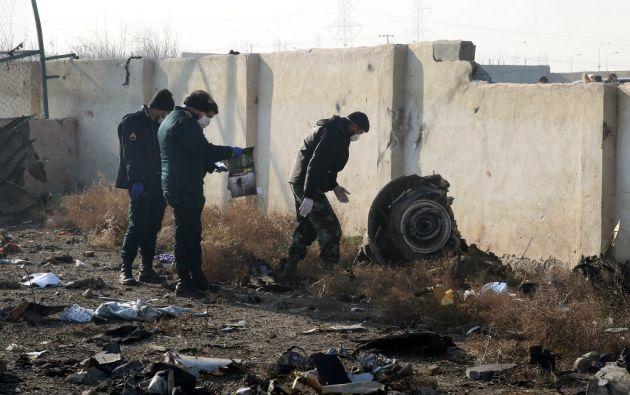 """""""La investigación tiene que ser completa, abierta y debe continuar sin retrasos o obstáculos"""", dijo Zelenski. Foto: AFP"""