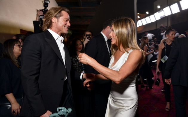 Brad Pitt y Jennifer Aniston en los Screen Actors Guild Awards. Foto: AFP.