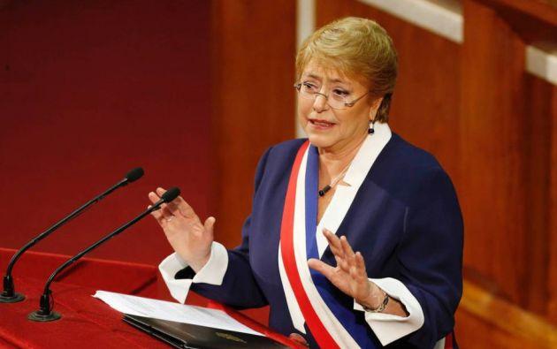 El germen del descontento en las protestas de Chile se profundizó con el discurso populista anti-sistema durante la segunda presidencia de Michelle Bachelet. Foto: AFP.