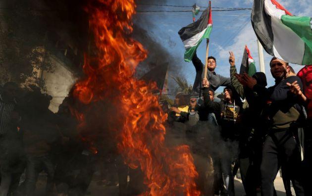 Palestinos protestan antes del anuncio del presidente Donald Trump, sobre su plan de paz en Oriente Medio. Foto: Reuters.