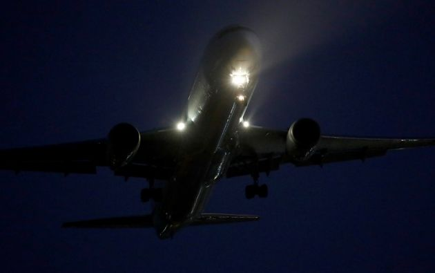 El aterrizaje se realizó con éxito sin que al tocar tierra se hayan registrado problemas. Foto: Reuters