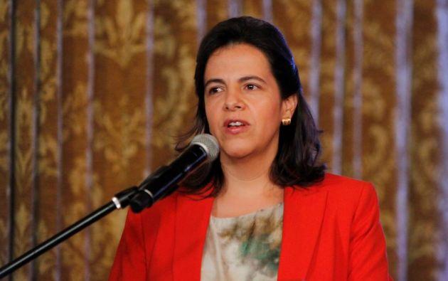 La ministra María Paula Romo encabezó la firma del Convenio Marco de Cooperación Interinstitucional con 135 municipios del país. Foto: Presidencia.